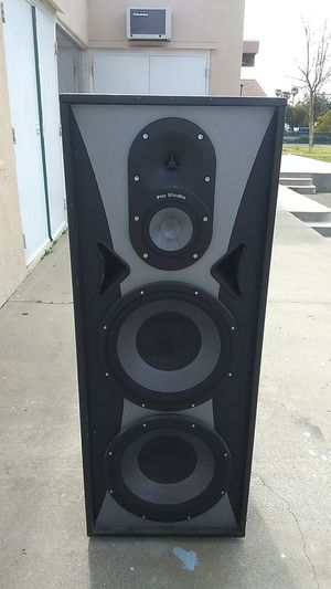 Pro Studio speaker for Sale in Fontana, CA