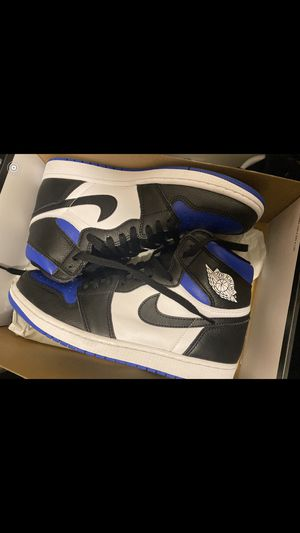 """Jordan 1 high top """"royal toe"""" sz 10 looking for trade for flint 13s for Sale in Reynoldsburg, OH"""