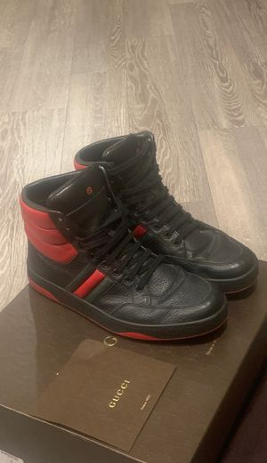 Gucci shoes size 9.5 for Sale in Las Vegas, NV