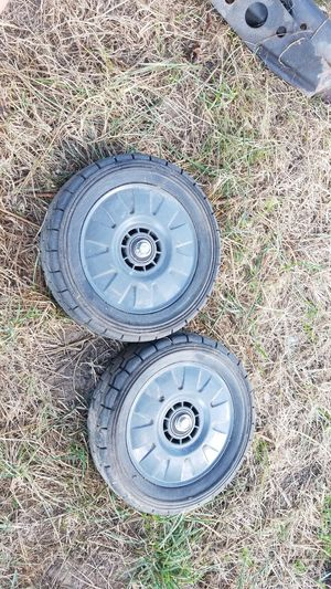 front lawn mower tires Honda Commercial for Sale in Puyallup, WA