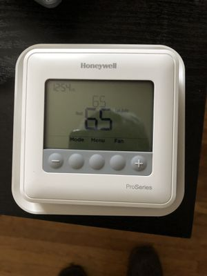 Honeywell ProSeries Thermostat for Sale in Hendersonville, TN
