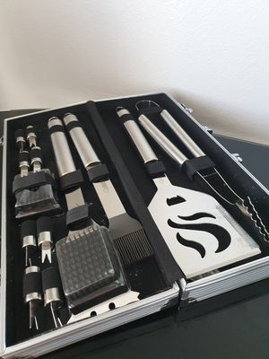 Cuisinart BBQ Grilling tools set for Sale in Las Vegas, NV