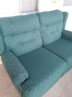 Recliner sofa (FREE!!) for Sale in Downey, CA