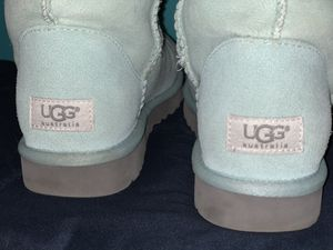 UGG : Classic Short Mint Size 7 Women for Sale in Dundalk, MD