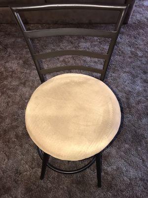 BAR STOOL/SWIVELS/5 BUCKS for Sale in Bell Gardens, CA
