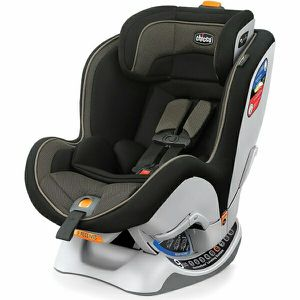 Chicco Nextfit convertible car seat for Sale in Washington, DC