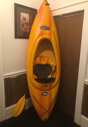 Kayak vortex 80 with paddle for Sale in Gastonia, NC