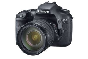Canon EOS 7D with 28-135mm f/3.5-5.6 IS USM Lens for Sale in Kansas City, MO