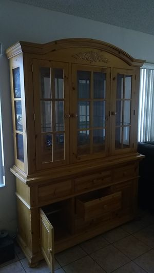 """FREE"" China Cabinet for Sale in Pembroke Pines, FL"