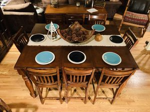 Solid Oak Dining Room Set 8 Seater for Sale in Sammamish, WA