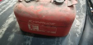 Vintage Evinrude gas tank outboard motor for Sale in Port Richey, FL