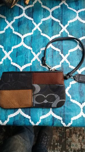 Coach wristlet bag for Sale in Sound Beach, NY