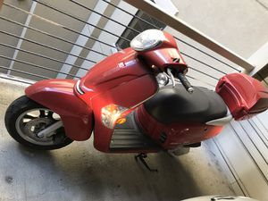 2012 Like200i with Helmet for Sale in Nashville, TN