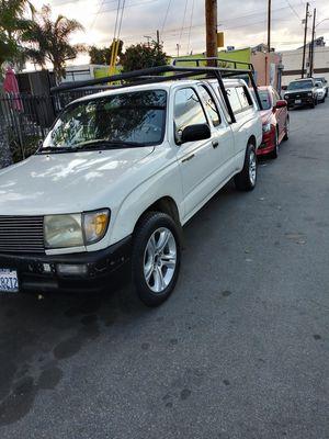 Toyota tacoma 97 millas 301890 6 cilindros título limpio for Sale in Los Angeles, CA