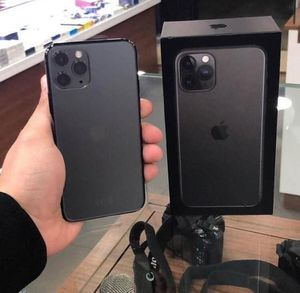iPhone 11 pro max for Sale in Culver City, CA