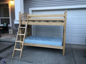 Solid wood bunk bed in very nice shape! for Sale in Auburn, WA
