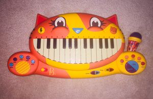 B. toys Cat piano / keyboard with free play, recording feature, working microphone and preprogrammed sounds/songs. for Sale in Algonquin, IL