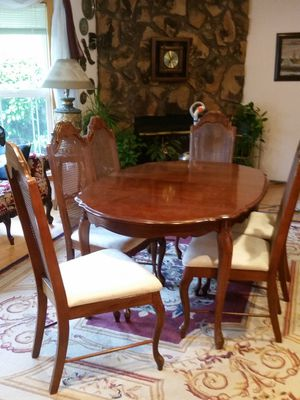 Dining table with 6 chairs for Sale in Beaverton, OR