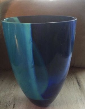 Beautiful glass vase for Sale in Sandy, UT