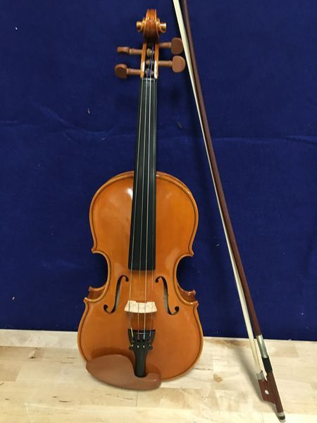 Beautiful violin with new strings