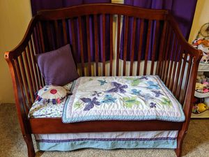 3 in 1 crib wood cherry finish for Sale in Golden, CO
