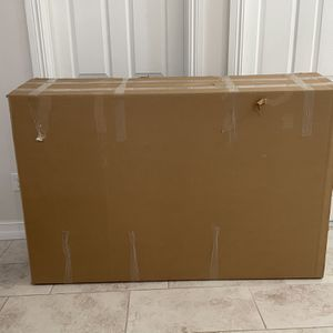 """FREE Tv Box For 65"""" Tv Used Once for Sale in Port St. Lucie, FL"""