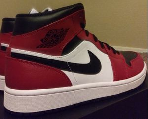 AIR JORDAN 1 MID for Sale in Avondale, AZ