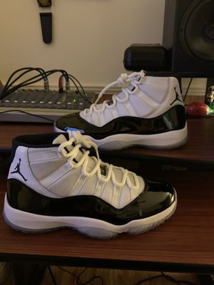 shoes size 10 for Sale in Germantown, MD