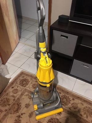 DYSON Vacuum for Sale in Miami, FL