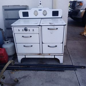Gaffers & Sattler Antique Gas Stove. for Sale in Manteca, CA