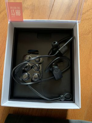 Powerbeats3 wireless headphone for Sale in Alexandria, VA