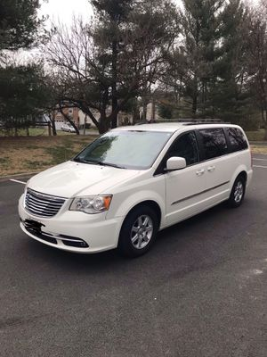 2011 Chrysler Town & Country Touring FWD 3.6L for Sale in Rockville, MD