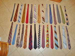 (FREE DELIVERY) 30 men's neckties for $9 -- wow!! for Sale in North Las Vegas, NV