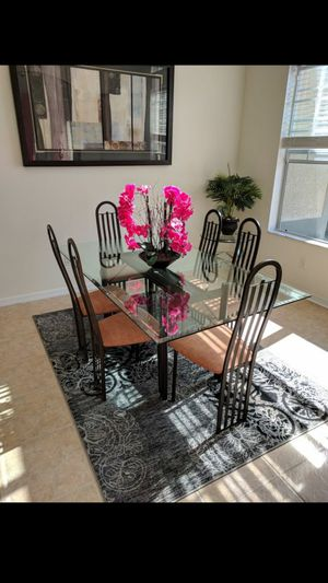 Glass Dinning Room Table & Chairs for Sale in Valrico, FL