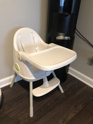 Keter 3-in-1 Multi-Dine Convertible High Chair/Booster Seat/Junior Seat, White for Sale in Smyrna, GA
