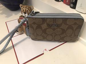 Coach Double Zip Wallet Wristlet for Sale in Suwanee, GA