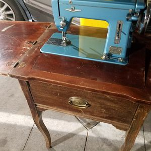 Montgomery Ward Deluxe Round Bobbin 385B Antique Sewing Machine Table - Price Negotiable!! FREE DELIVERY* for Sale in Denver, CO