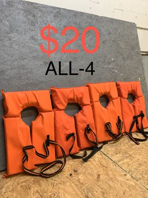 ADULT TYPE ll LIFE JACKET , ORANGE ( GOOD CONDITION ) $20 for Sale in Fort Lauderdale, FL