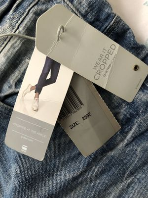 G-Star Raw , size 25x32 for Women , crop jeans for Sale for sale  New York, NY
