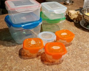 Set of 8 Storage containers for Sale in NEW PRT RCHY, FL