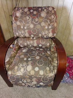 Free Recliner for Sale in Renton,  WA