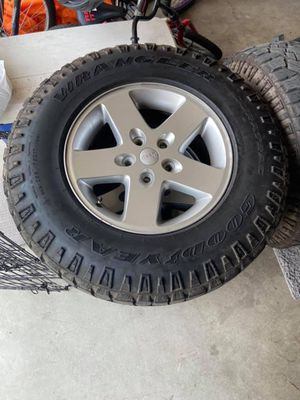 Jeep tyre and rims wheel for Sale in Tampa, FL