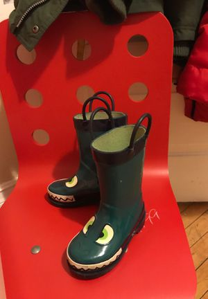 Rain boots for Sale in Milwaukee, WI