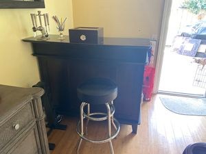 Wet bar with stools, storage and serving devices for Sale in San Diego, CA