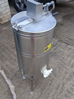 Honeycomb Extractor W/Knife And Jars for Sale in Lilburn,  GA