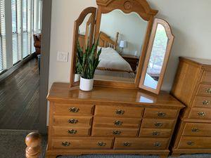 Bedroom Dresser/Mirror for Sale! for Sale in Houston, TX