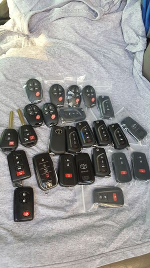 Toyota key for Sale in Los Angeles, CA