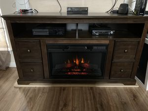 Tv stand with fire place for Sale in Lithonia, GA