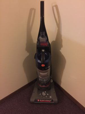 Vacuum Hoover like new for Sale in Bloomingdale, IL