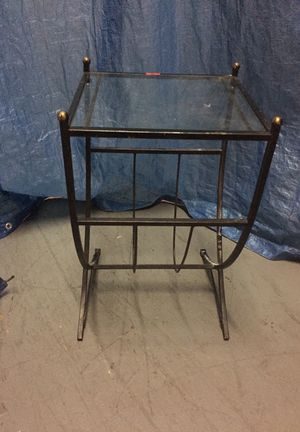 Metal and glass end table for Sale in Washington, DC